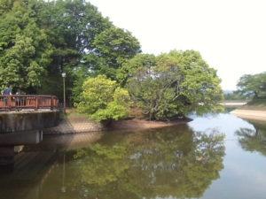 立岡池つり橋周辺